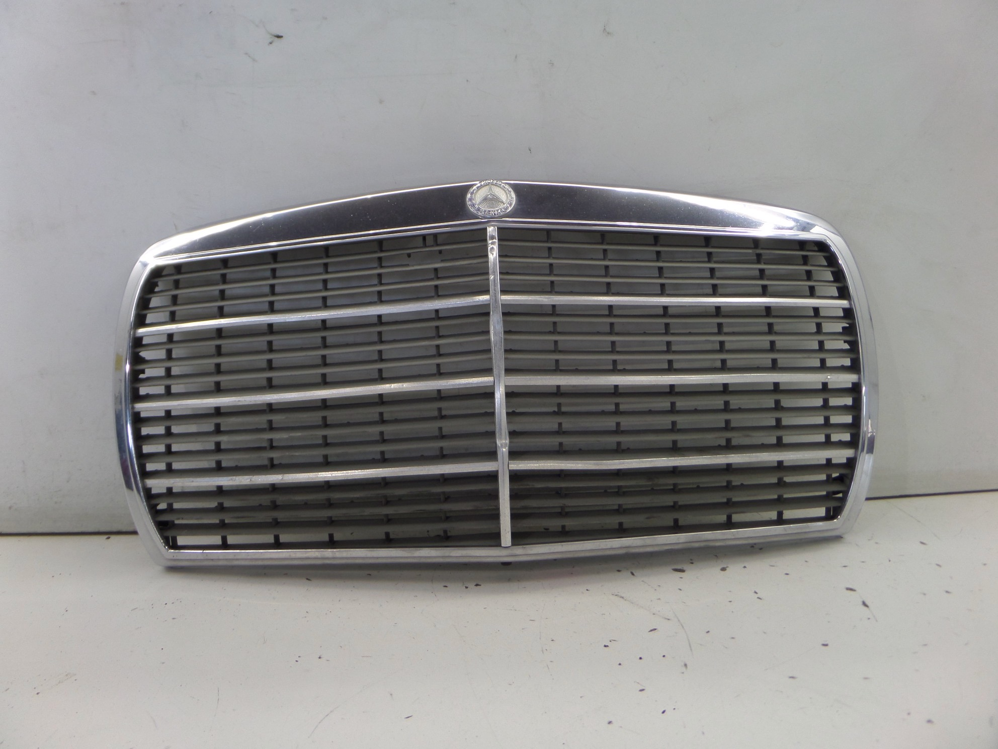 FRONT GRILL GRILLE FOR MERCEDES W123 123