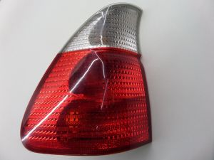 00-03 BMW E53 X5 Left Quarter Mounted Tail Light Clear Turn OEM 8 386 809-10