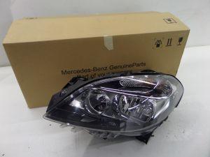 15 16 Mercedes B 250 Halogen Headlight OEM A 246 920 05 61 Broken Tab