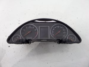 Audi A4 139K KPH Instrument Cluster Speedo Gauges B6 02-05 8E0920900L 6 SPD M/T